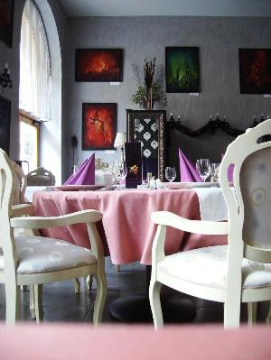 Mûvész Étterem és Kávéház. Gourmet étterem Budapest belvárosában